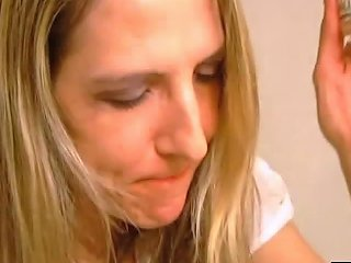 Housewife Gets Her Face Covered In Cum