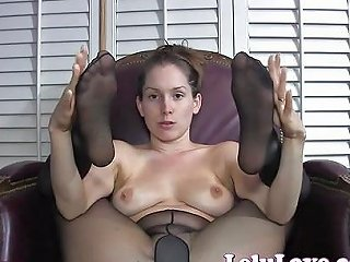 She Gives You Jerkoff Encouragement With Pantyhose