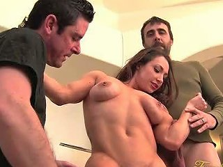 Female Bodybuilder Brandimae Free Threesome Porn Video Fd