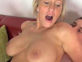 Mature Mom Seduce Teen Sons Free New Moms Hd Porn 6d
