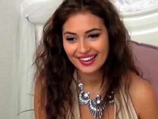 Teen Student Teen Girls Beautiful Indian Undressing E1