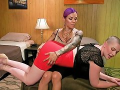 Riley's Slutty Ass Pounded By Foxxy Free Shemale Hd Porn 82